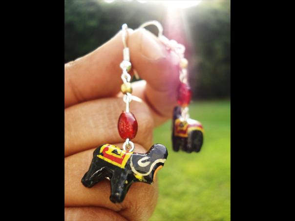 wooden-elephants2